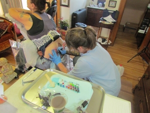 TeeJay tattooing Kelly