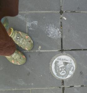 feet by road medaillion