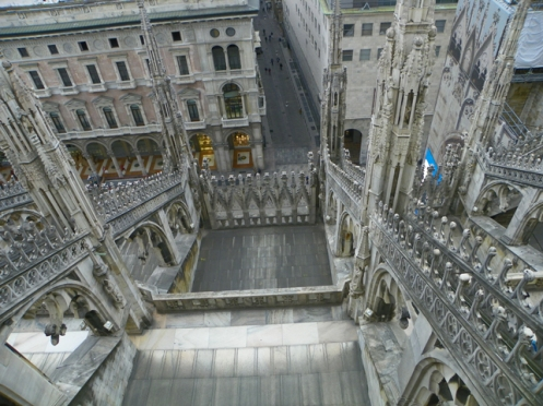 looking down Duomo di Milano