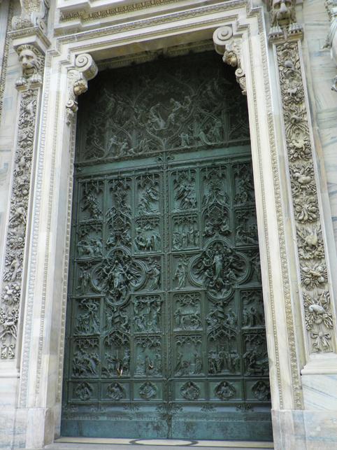 doors on Duomo di Milano